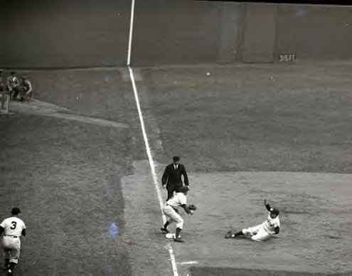 5-12-1951-dark-into-3rd-base-at-polo-grounds